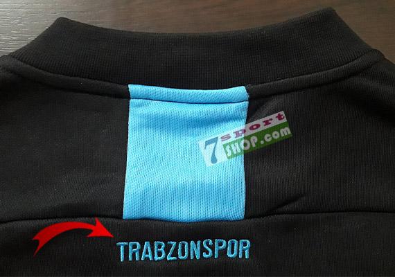 trabzonspor-trainingsanzug-macron-trainingsjacke-nacken-schriftzug-beschriftung
